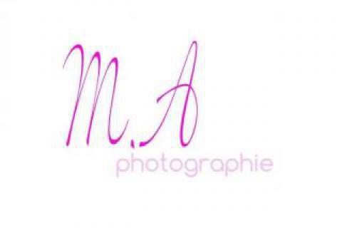 Portrait de Maëva Aly Photographe